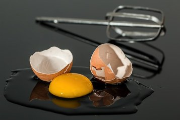 broken eggs-943413__340