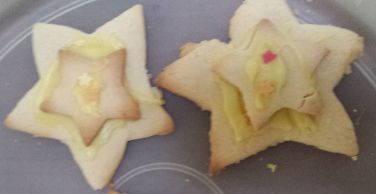 GF & DF stars with 2 different sized stars, joined with icing & decorated with mini stars.